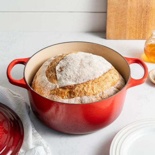 Le Creuset_Bread in dutch oven